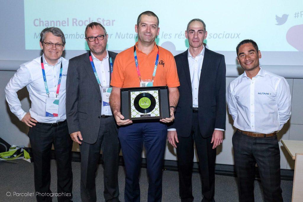 Cédric GIRARD reçoit l'award Nutanix dans la catégorie SE & Architect